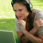 3 darmowe sposoby na osłuchanie się z angielskim